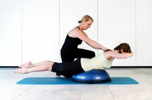Pilates Mattentraining mit Bosu