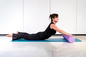 Pilates Mattentraining mit Rolle