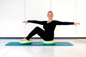 Pilates Mattentraining mit Stability Kissen